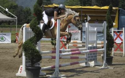 Salto e giocchi equestri a Curio